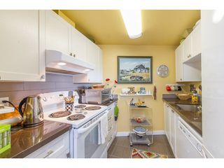 Photo 5: 511 15111 RUSSELL Avenue: White Rock Condo for sale (South Surrey White Rock)  : MLS®# R2259589