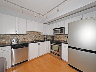 Photo 4: 8 PATINA Park SW in Calgary: Patterson Row/Townhouse for sale : MLS®# C4186745