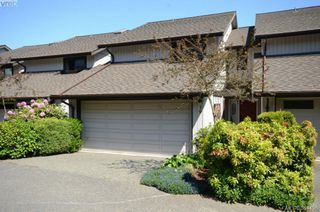 Photo 2: 19 10457 Resthaven Dr in SIDNEY: Si Sidney North-East Row/Townhouse for sale (Sidney)  : MLS®# 702249