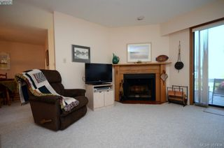 Photo 6: 19 10457 Resthaven Dr in SIDNEY: Si Sidney North-East Row/Townhouse for sale (Sidney)  : MLS®# 702249