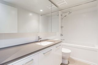 """Photo 14: 2601 680 SEYLYNN Crescent in Vancouver: Lynnmour Condo for sale in """"COMPASS AT SEYLYNN"""" (North Vancouver)  : MLS®# R2325281"""