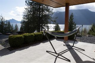"Photo 5: 818 RAINBOW Lane: Britannia Beach House for sale in ""Britannia Beach"" (Squamish)  : MLS®# R2333772"
