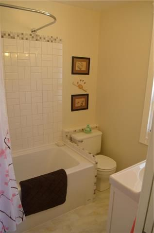 Photo 10: 837 Burrows Avenue in Winnipeg: North End Residential for sale (4A)  : MLS®# 1906525