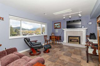 Photo 12: 1062 SPAR Drive in Coquitlam: Ranch Park House for sale : MLS®# R2359921