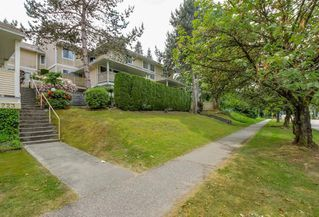 "Photo 2: 2 2223 ST JOHNS Street in Port Moody: Port Moody Centre Townhouse for sale in ""PERRY'S MEWS"" : MLS®# R2363236"