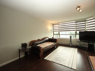 """Photo 2: 1508 3070 GUILDFORD Way in Coquitlam: North Coquitlam Condo for sale in """"LAKESIDE TERRACE"""" : MLS®# R2364402"""