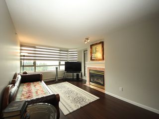 """Photo 3: 1508 3070 GUILDFORD Way in Coquitlam: North Coquitlam Condo for sale in """"LAKESIDE TERRACE"""" : MLS®# R2364402"""