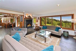 Photo 8: 575 Pegasus Way in VICTORIA: Me Rocky Point Single Family Detached for sale (Metchosin)  : MLS®# 411014