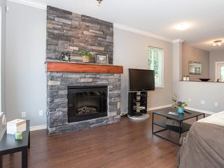 "Photo 2: 48 5839 PANORAMA Drive in Surrey: Sullivan Station Townhouse for sale in ""FOREST GATE"" : MLS®# R2373372"