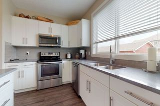 Photo 10: 2125 24 Street in Edmonton: Zone 30 Attached Home for sale : MLS®# E4163294