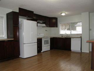 Photo 3: 553 DOUGLAS Street in Hope: Hope Center House for sale : MLS®# R2434928