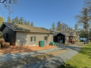 Photo 11: 208 Hart Rd in View Royal: VR View Royal Single Family Detached for sale : MLS®# 836496