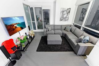 Photo 4: 2211 70 Temperance Street in Toronto: Bay Street Corridor Condo for lease (Toronto C01)  : MLS®# C4945393