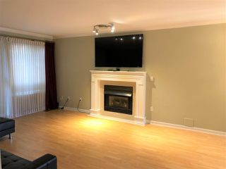 """Photo 3: 18 15840 84 Avenue in Surrey: Fleetwood Tynehead Townhouse for sale in """"FLEETWOOD GABLES"""" : MLS®# R2517446"""