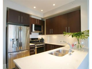 "Photo 7: 203 2108 W 12TH Avenue in Vancouver: Kitsilano Condo for sale in ""LUZON"" (Vancouver West)  : MLS®# V870663"