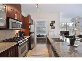 "Photo 3: 105 1468 ST ANDREWS Avenue in North Vancouver: Central Lonsdale Condo for sale in ""Avondale"" : MLS®# V874368"