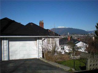 Photo 8: 3006 E 2ND AV in Vancouver: Renfrew VE House for sale (Vancouver East)  : MLS®# V877852