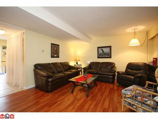 Photo 3: 55 5201 204TH Street in Langley: Langley City Townhouse for sale : MLS®# F1116357