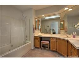 Photo 9: 77 595 Yates Road in Kelowna: Commercial for sale : MLS®# 10055668