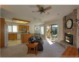 Photo 4: 77 595 Yates Road in Kelowna: Commercial for sale : MLS®# 10055668