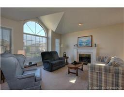 Photo 8: 77 595 Yates Road in Kelowna: Commercial for sale : MLS®# 10055668