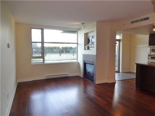 "Photo 4: 105 3595 W 18TH Avenue in Vancouver: Dunbar Townhouse for sale in ""DUKE ON DUNBAR"" (Vancouver West)  : MLS®# V1050482"
