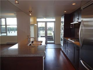 "Photo 3: 105 3595 W 18TH Avenue in Vancouver: Dunbar Townhouse for sale in ""DUKE ON DUNBAR"" (Vancouver West)  : MLS®# V1050482"
