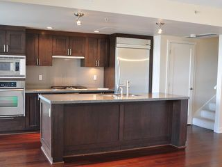 """Photo 2: 105 3595 W 18TH Avenue in Vancouver: Dunbar Townhouse for sale in """"DUKE ON DUNBAR"""" (Vancouver West)  : MLS®# V1050482"""