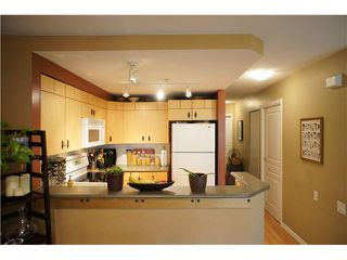 """Photo 8: 71 7488 SOUTHWYNDE Avenue in Burnaby: South Slope Townhouse for sale in """"LEDGESTONE 1"""" (Burnaby South)  : MLS®# V1059651"""