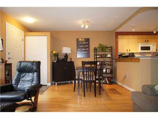 """Photo 6: 71 7488 SOUTHWYNDE Avenue in Burnaby: South Slope Townhouse for sale in """"LEDGESTONE 1"""" (Burnaby South)  : MLS®# V1059651"""