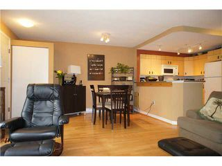 """Photo 5: 71 7488 SOUTHWYNDE Avenue in Burnaby: South Slope Townhouse for sale in """"LEDGESTONE 1"""" (Burnaby South)  : MLS®# V1059651"""