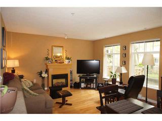 """Photo 2: 71 7488 SOUTHWYNDE Avenue in Burnaby: South Slope Townhouse for sale in """"LEDGESTONE 1"""" (Burnaby South)  : MLS®# V1059651"""