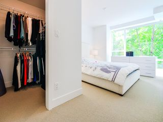 "Photo 10: 1669 W 8TH Avenue in Vancouver: Fairview VW Townhouse for sale in ""Camera"" (Vancouver West)  : MLS®# V1066169"