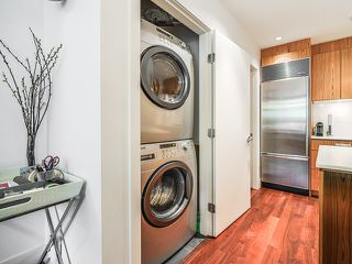 "Photo 8: 1669 W 8TH Avenue in Vancouver: Fairview VW Townhouse for sale in ""Camera"" (Vancouver West)  : MLS®# V1066169"