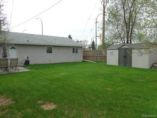 Photo 2: 2355 Ness Avenue in WINNIPEG: St James Residential for sale (West Winnipeg)  : MLS®# 1411687