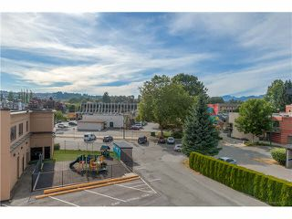 """Photo 2: 304 2245 WILSON Avenue in Port Coquitlam: Central Pt Coquitlam Condo for sale in """"MARY HILL PLACE"""" : MLS®# V1129734"""