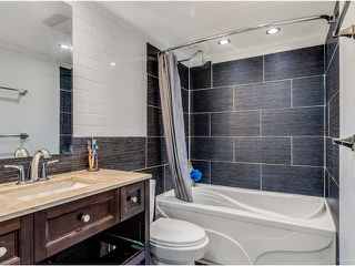 """Photo 3: 304 2245 WILSON Avenue in Port Coquitlam: Central Pt Coquitlam Condo for sale in """"MARY HILL PLACE"""" : MLS®# V1129734"""