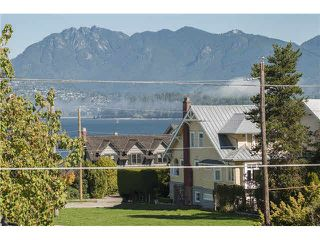 Photo 14: 1733 WATERLOO Street in Vancouver: Kitsilano House for sale (Vancouver West)  : MLS®# V1142962