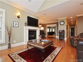 Photo 3: 1167 Natures Gate in VICTORIA: La Bear Mountain House for sale (Langford)  : MLS®# 716078