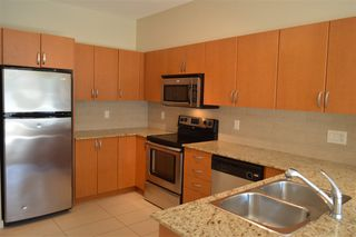 "Photo 5: 334 13733 107A Avenue in Surrey: Whalley Condo for sale in ""QUTTRO 1"" (North Surrey)  : MLS®# R2039447"