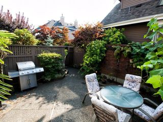 Photo 6: 4 230 E KEITH Road in North Vancouver: Central Lonsdale Townhouse for sale : MLS®# R2079734