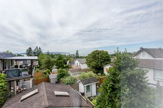Photo 15: 959 STAYTE Road: White Rock House for sale (South Surrey White Rock)  : MLS®# R2082821