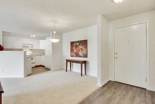 Photo 3: 215 2000 Citadel Meadows Point NW in Calgary: Condo for sale : MLS®# C4024513