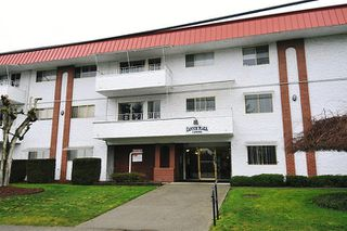 "Main Photo: 304 12096 222 Street in Maple Ridge: West Central Condo for sale in ""CANUCK PLAZA"" : MLS®# R2110176"