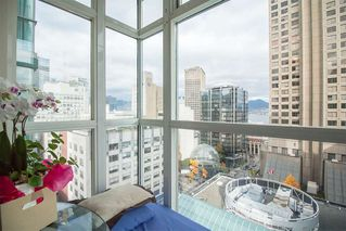 """Photo 9: 1407 438 SEYMOUR Street in Vancouver: Downtown VW Condo for sale in """"The Conference Plaza"""" (Vancouver West)  : MLS®# R2119357"""