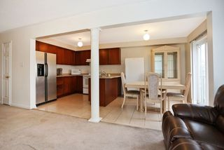 Photo 7: 1532 Sarasota Crescent in Oshawa: Samac House (2-Storey) for sale : MLS®# E3665030