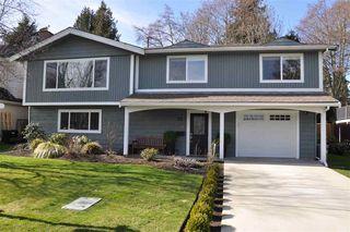 "Photo 1: 25 53 Street in Delta: Pebble Hill House for sale in ""PEBBLE HILL"" (Tsawwassen)  : MLS®# R2142844"
