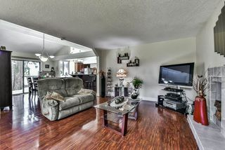 Photo 4: 2476 WOODSTOCK Drive in Abbotsford: Abbotsford East House for sale : MLS®# R2143858