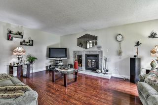 Photo 3: 2476 WOODSTOCK Drive in Abbotsford: Abbotsford East House for sale : MLS®# R2143858
