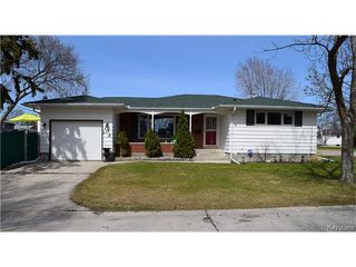 Photo 1: 109 Columbus Crescent in Winnipeg: Westwood Residential for sale (5G)  : MLS®# 1709489